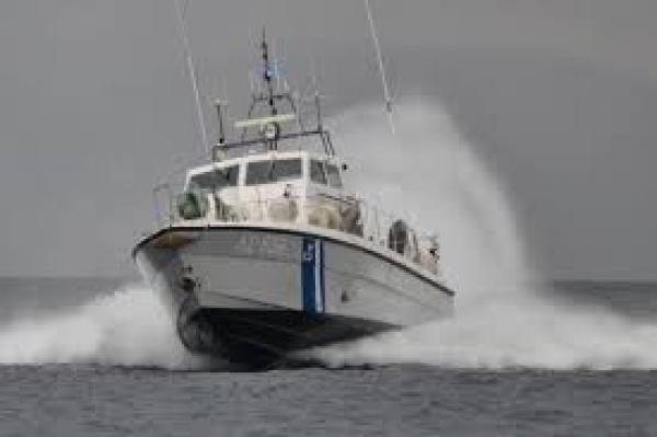 Σώος βρέθηκε ο ερασιτέχνης ψαράς που κινδύνευσε από την κακοκαιρία