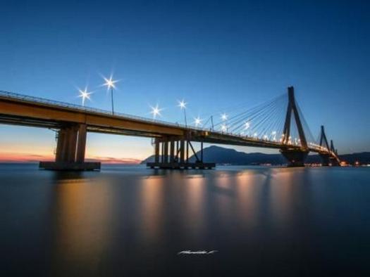 Το εκπληκτικό ηλιοβασίλεμα στην Γέφυρα Ρίου – Αντιρρίου!