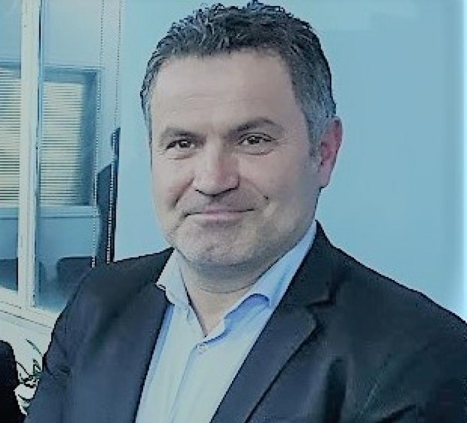 Συνελήφθη ο Νίκος Καραπάνος έξω από το Δημαρχείο