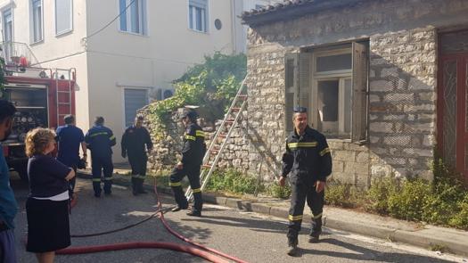 Πυρκαγιά σε ακατοίκητο σπίτι στο Μεσολόγγι