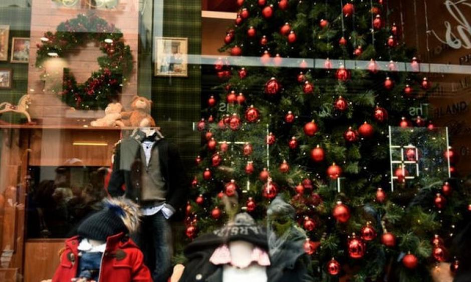 Το εορταστικό ωράριο των Χριστουγέννων στο Μεσολόγγι